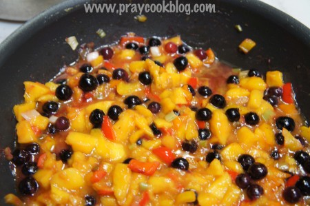 mango-blueberry-salsa-pan-psd1