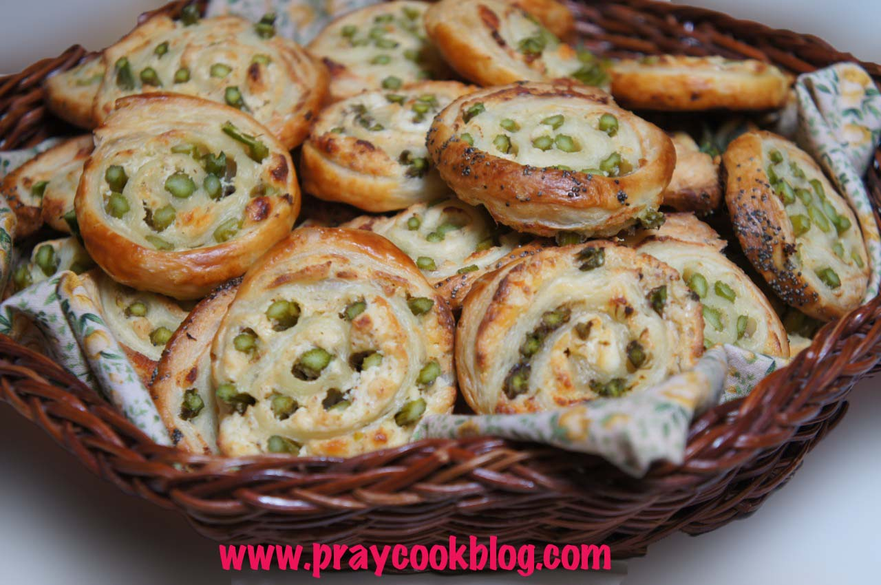 Fresh Asparagus and Puff Pastry Pinwheels