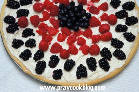fruit pizza half red blue