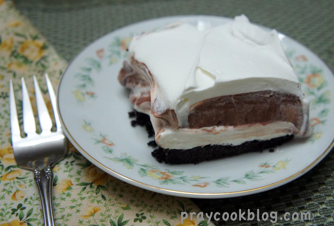 Black and White Oreo Dessert