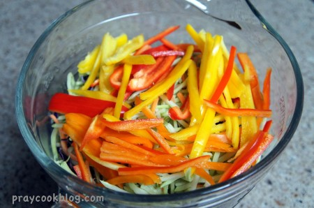 sliced peppers bowl