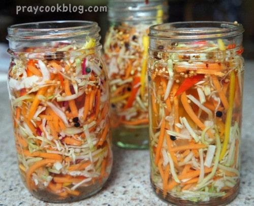 veggie slaw jars
