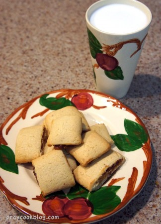 fig newton and milk