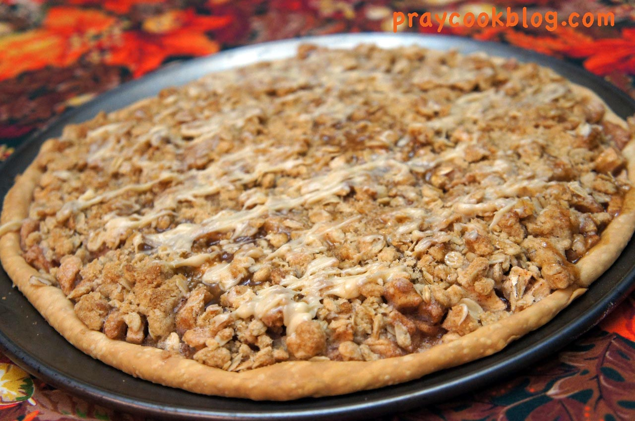 Autumn's Apple Crisp Pizza