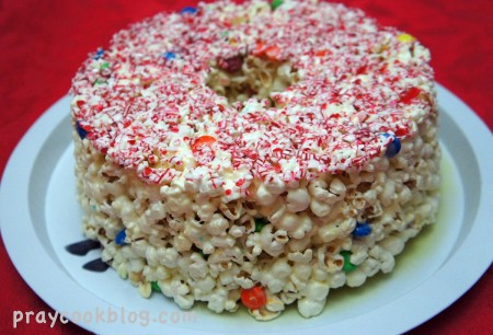 I Was Thinking Of Something Not Too Sugary But Still Fun To Eat Remembered This Popcorn Cake Made A Couple Years Ago At Christmas