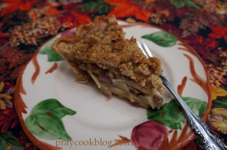 All-American Apple Crumb Pie