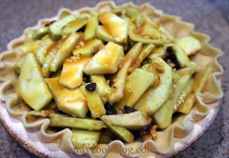 caramel apple pie before