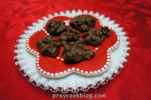 Sm Plate peanut clusters